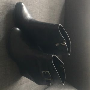 BCBG Generation leather wedge ankle booties size 7